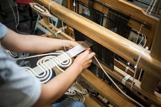 traditional loom machine