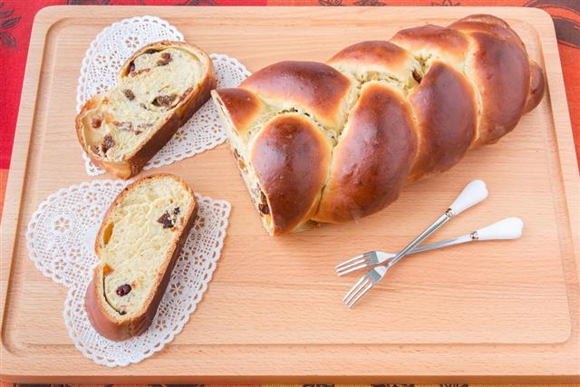Braided sweet potatoes bread