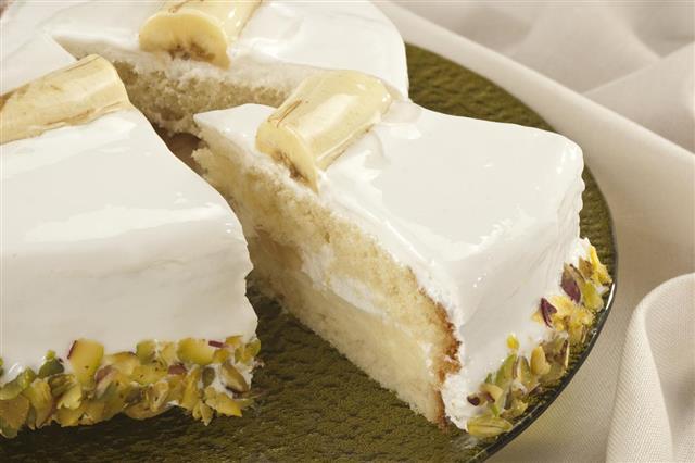 Cream cake with banana