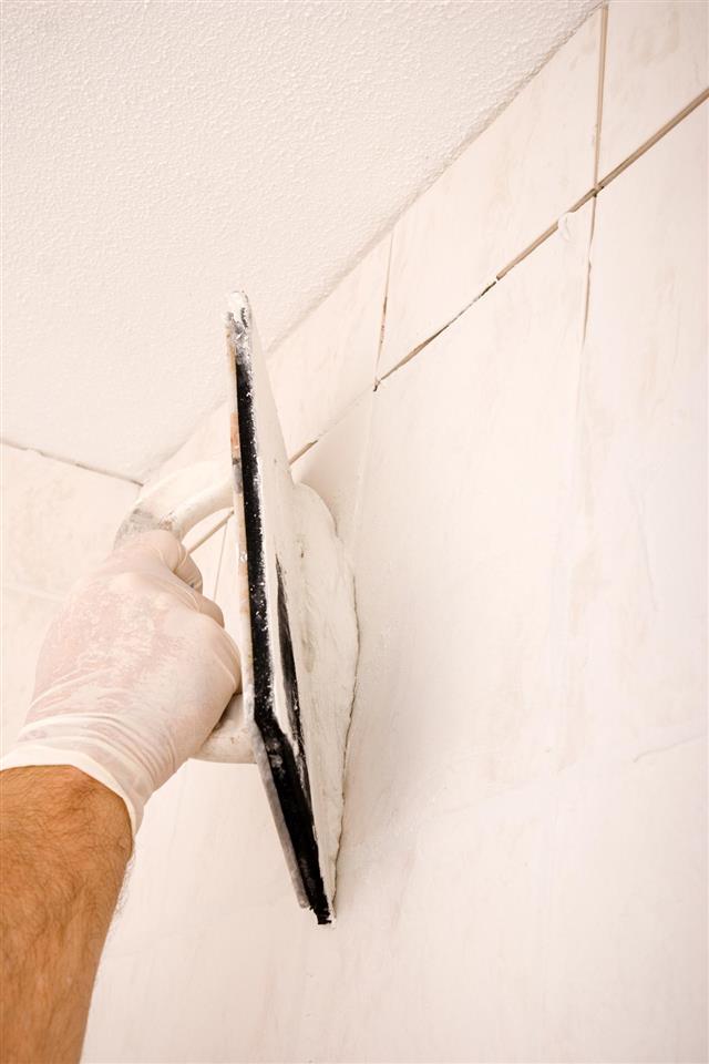 Tile Grout Applying