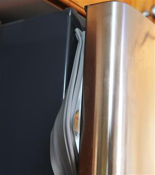 Refrigerator with broken seal