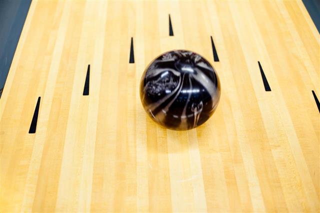 Ten Pin Bowling ball at the arrows