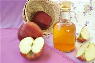 Red apple vinegar
