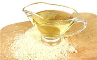 Vinegar from the white rice