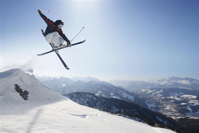 Jumping Skifahrer