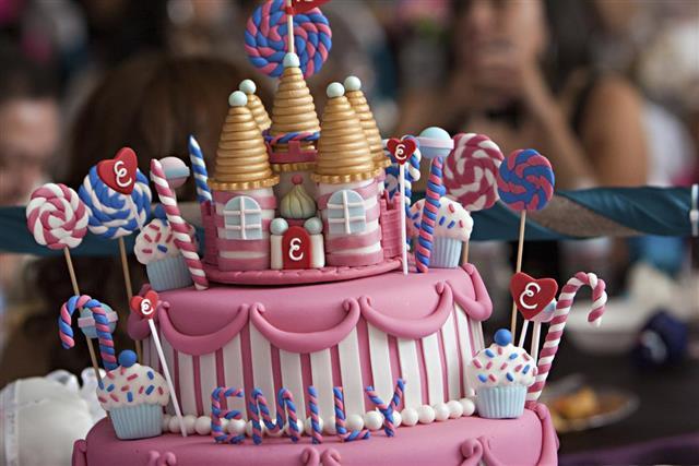 Theme Birthday Cake