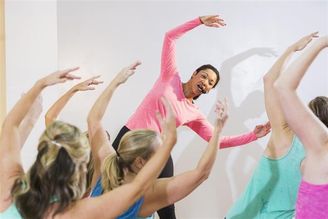Instructor leading an dance class