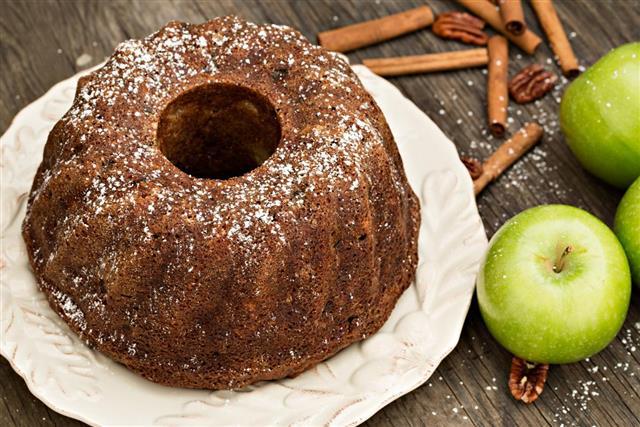 Applesauce Rum Raisin Cake