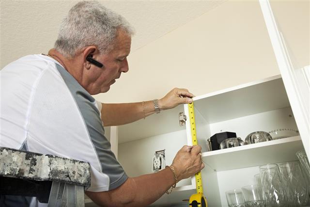 Carpenter Measuring cabinet