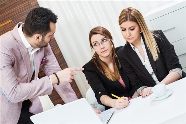 Boss criticizes employees
