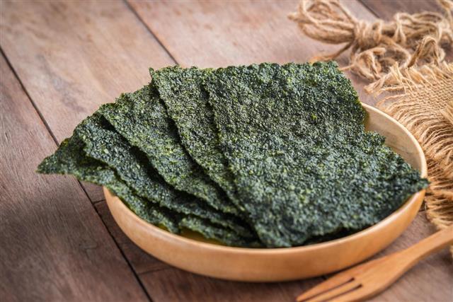 Crispy dried seaweed