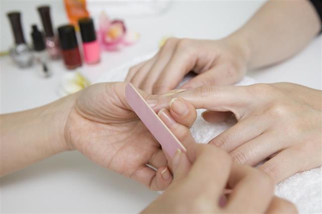 Nail sharpener