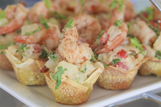 Shrimp salad in wonton cup