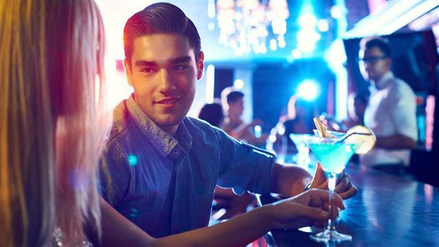 Womanizer in nightclub