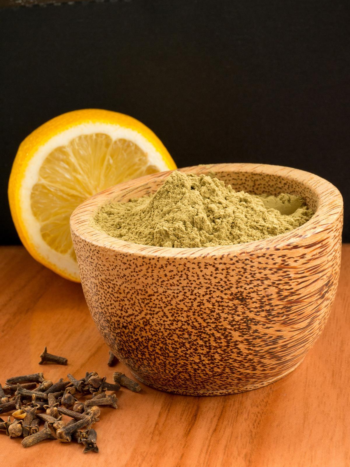 Henna Powder: Science Behind The Henna Stains