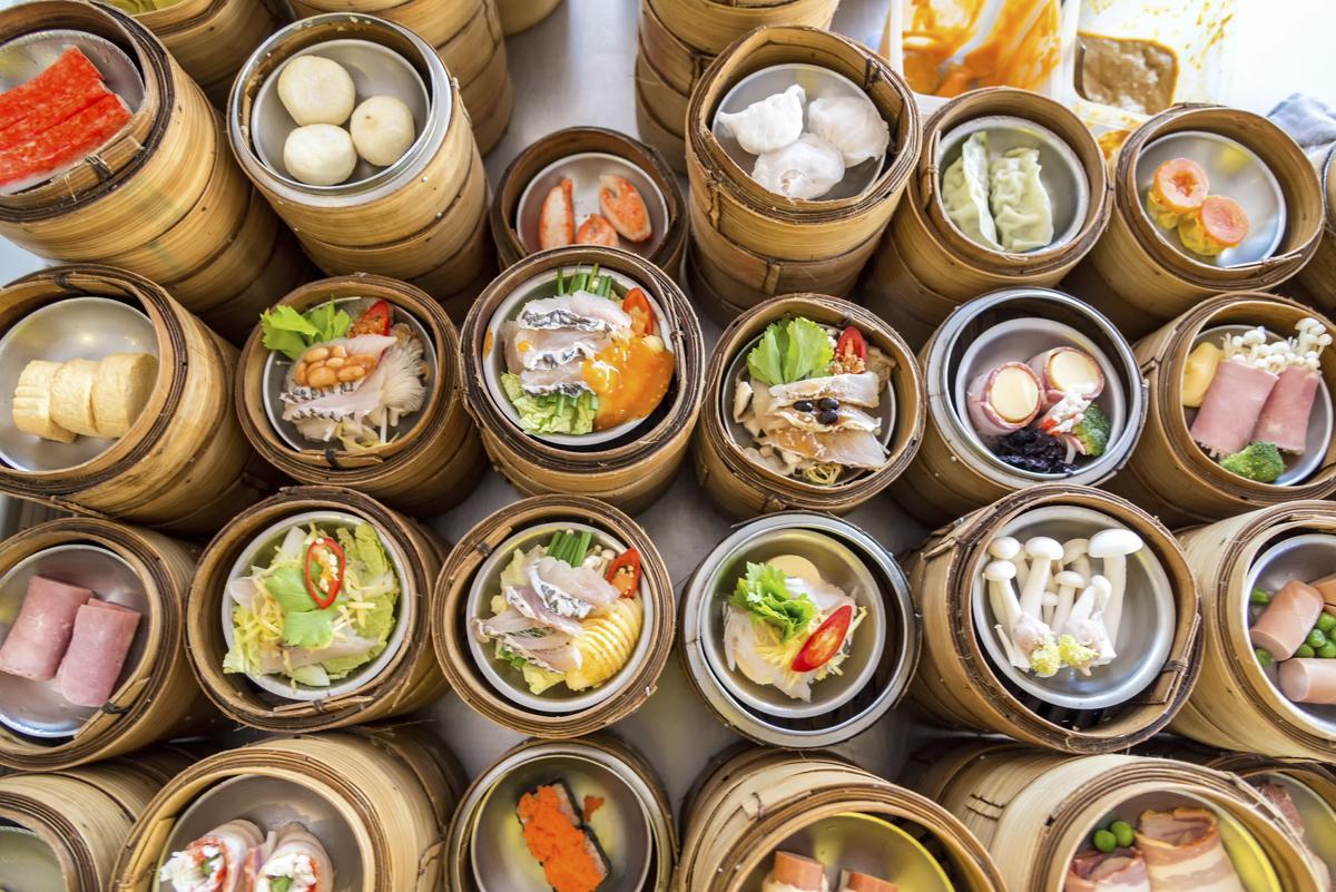 hongkong food history 19) vietnamese food (coming soon link to hong kong vietnamese food page) - due to the history between hong kong and vietnam, vietnamese food is very easy to find 20) luxury food (coming soon link to hong kong luxury food page) - high tea is one thing.