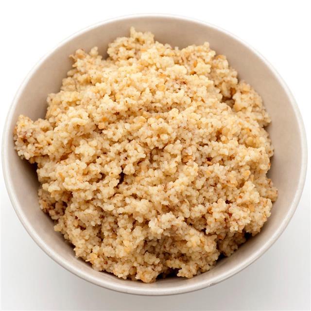 Plain couscous in bowl