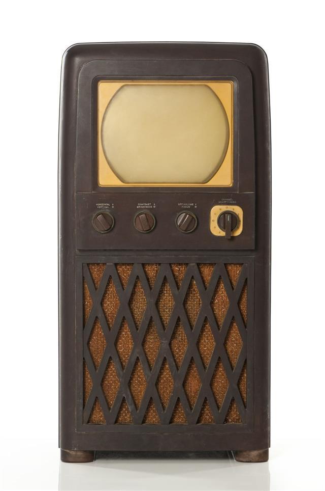 Vintage Bakelite Television