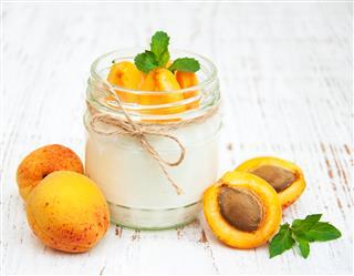Sweet yogurt with fresh apricots