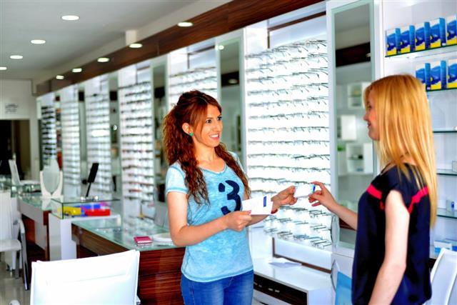 Contact lens buy