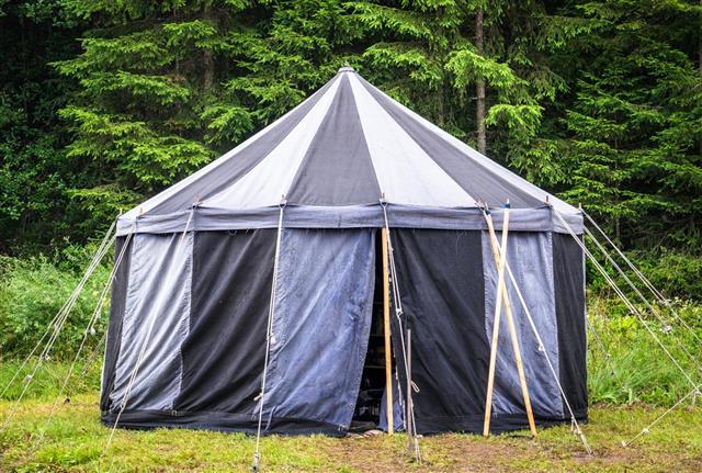 camping big tent