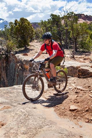 Mountain Biking Porcupine Rim Trail