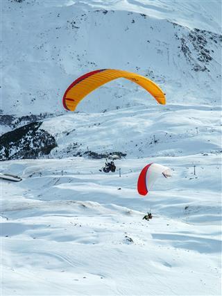 Weisshorn Paraglider Pair