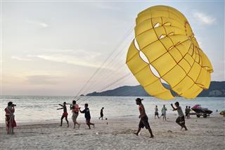 Parasailing In Phuket
