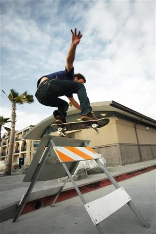 Skateboard stunt