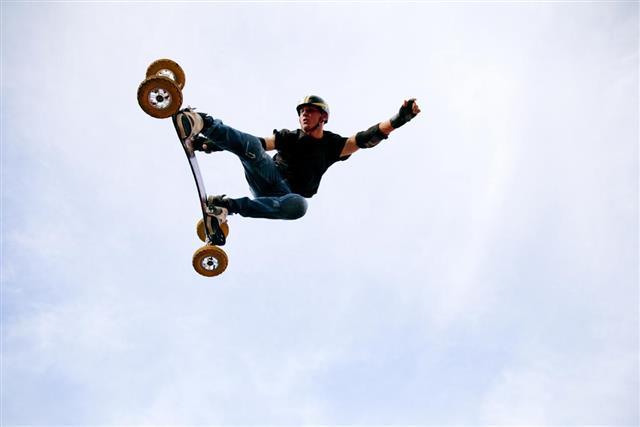 Mountain boarder stunt