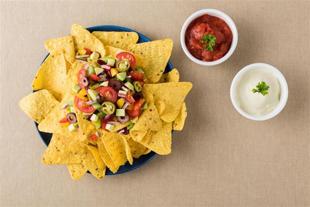 Vegetarian Nachos With Salsa