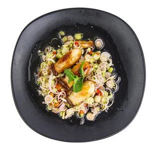 Lemongrass Salad With Grill Mushroom