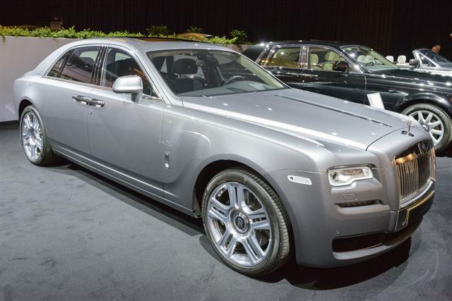 Rolls Royce Ghost Luxury Limousine