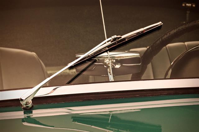 Classic Car Screen Wiper