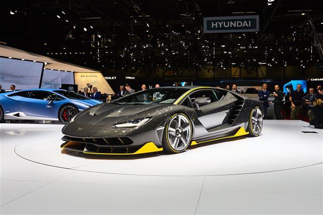 Lamborghini Centenario Lp770 4