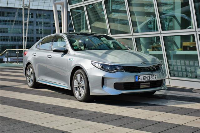 Kia Optima Plug In Hybrid Sedan