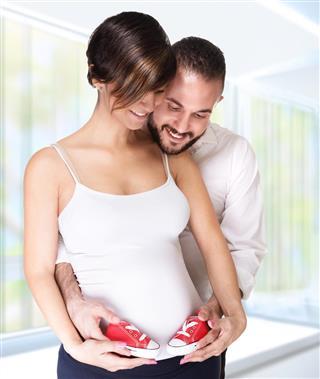 Happy couple awaiting baby