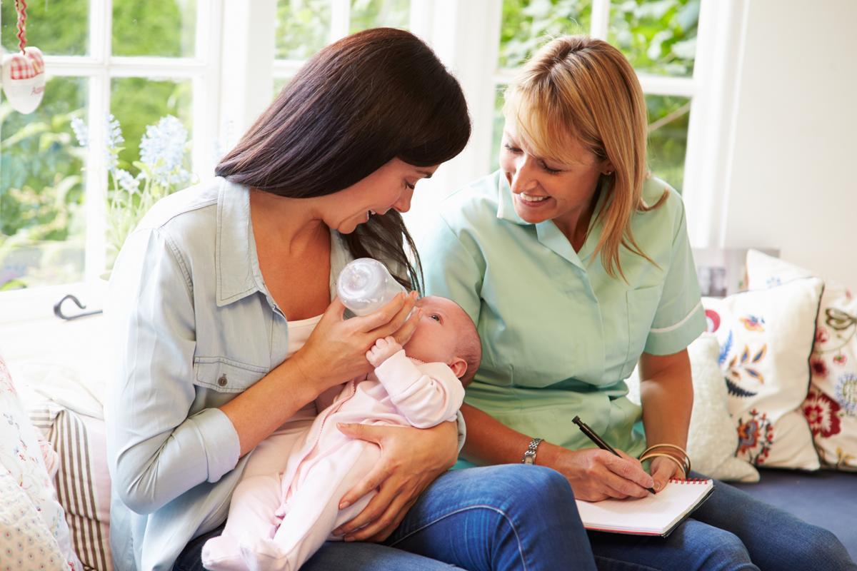 Breastfeeding Vs. Bottle Feeding