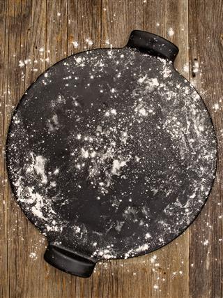 Rustic Pizza Baking Stone Utensil