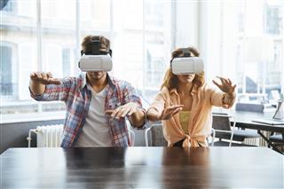 Entrepreneurs Testing Virtual Reality Technology