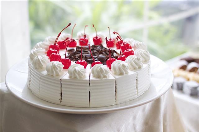White Cherry Cake