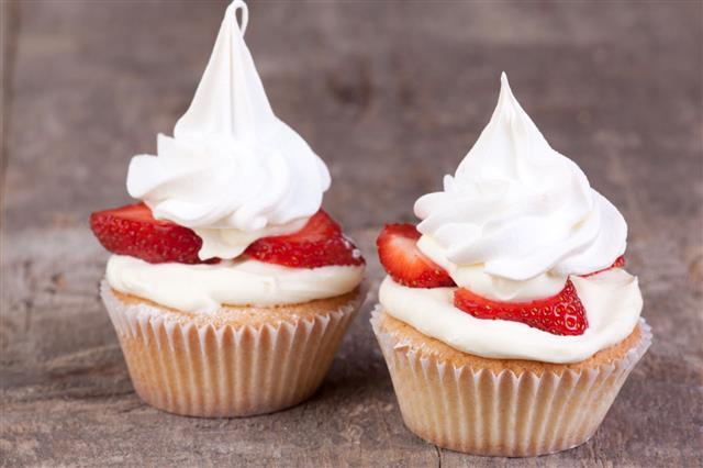 Two Pavlova Cupcakes