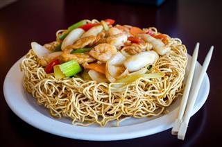 Crispy Seafood Chow Mein
