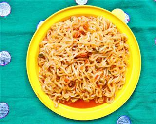 Tomato Veg Chow Mein Noodles