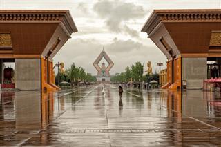 Famen Temple On A Rainy Day