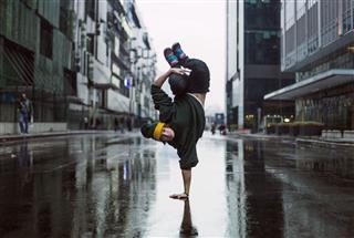 Handstand Dancer In The Street Teenage Dancer
