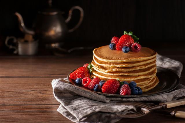 Fresh Berry Pancakes