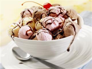 Neapolitan Ice Cream Sundae