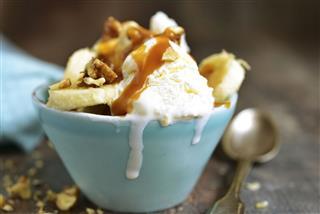Vanilla Ice Cream With Walnuts Banana