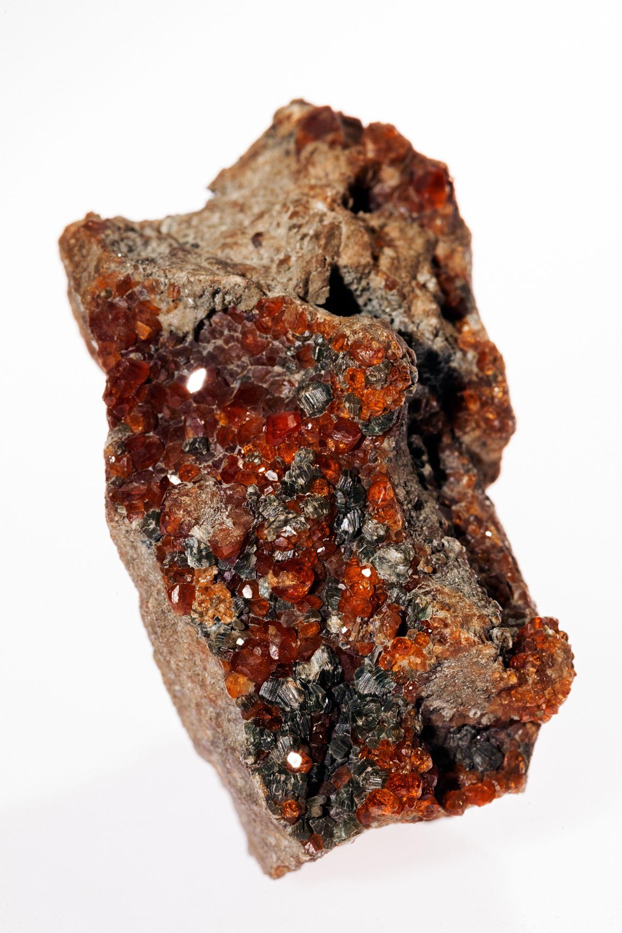 Chromite-Chromite-Mineral Photos-Mineral Encyclopedia ...  |Chromate Mineral